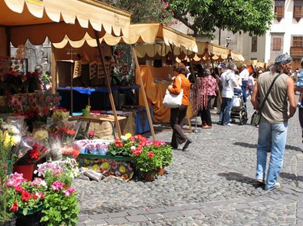 Quevedo culpa al Distrito Vegueta de la falta de dinamización en el Mercado deArtesanía