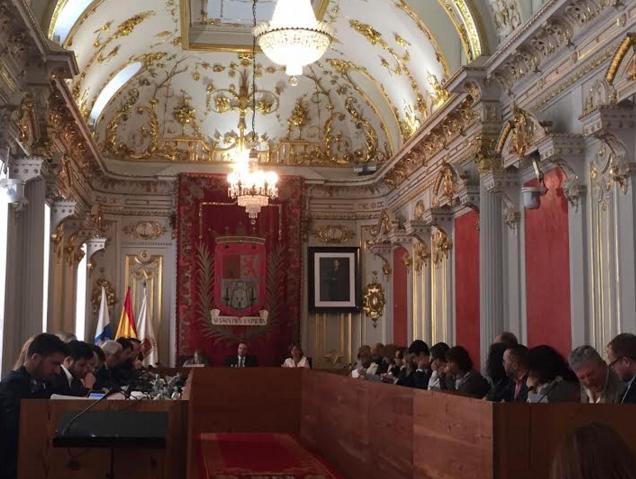 El Tripartito esquiva el debate de propuestas que revertirán en la mejora económica y social de laciudad
