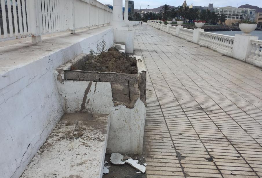 El PP lamenta que el Tripartito precipite con su dejación el deterioro de la ciudad y propicie la nefasta estampa que ofrece en la zona de llegada decruceros