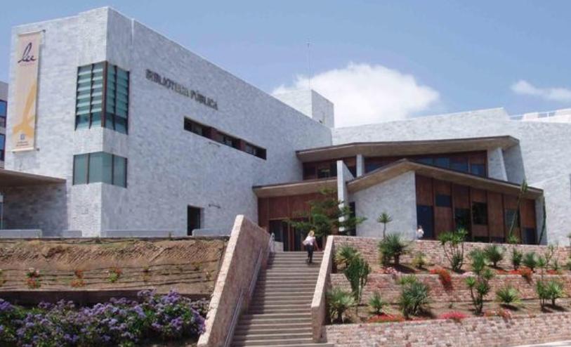 El PP pide al Tripartito que convierta al Ayuntamiento en punta de lanza contra el cierre parcial de la BibliotecaPública
